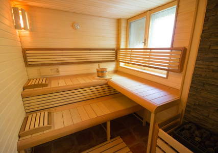 Sauna & massage